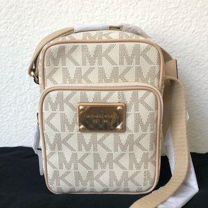MICHAEL KORS Flight Bag Crossbody Orig $178